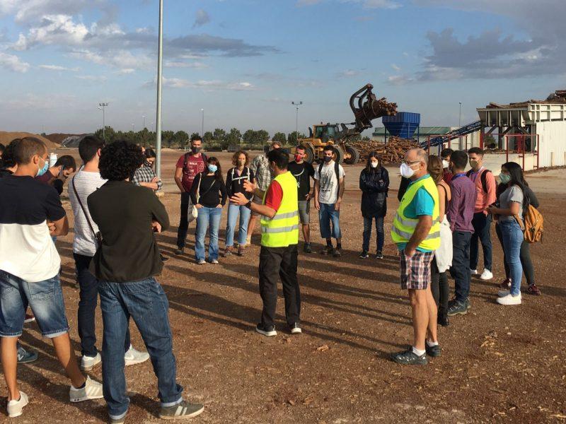 Participantes de UFIL visitan las instalaciones de la fábrica de pellet ERTA